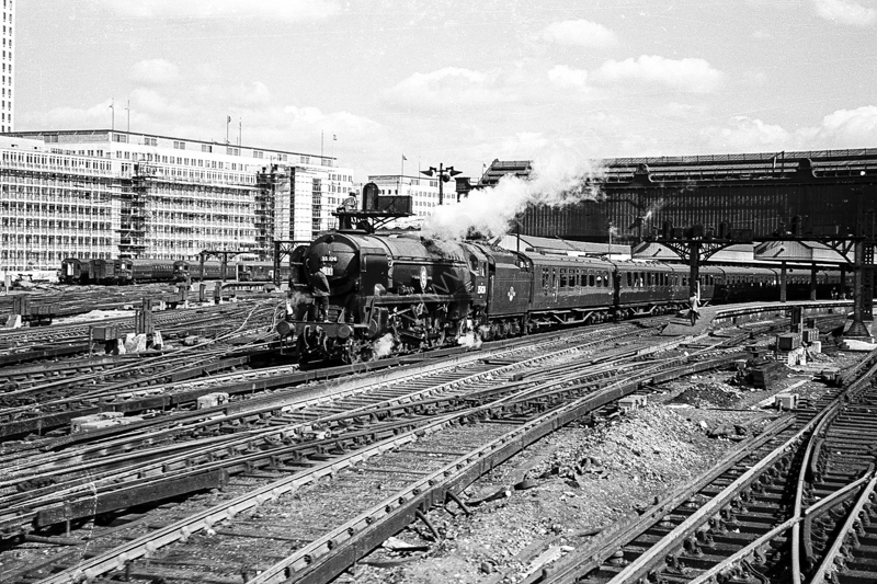 "35026 ""Lamport and Holt Line"" at Waterloo with the down Atlantic Coast Express, 29 August 1964"