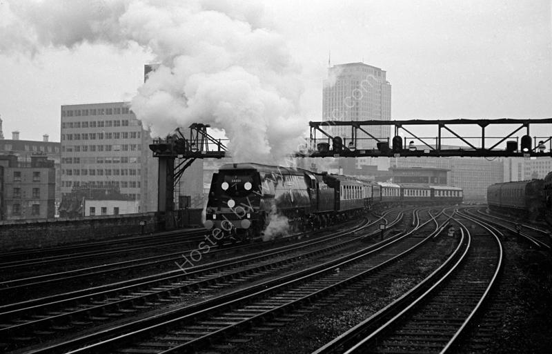 "34051 ""Winston Churchill"" leaving Waterloo with Sir Winston Churchill's funeral train, 30 January 1965"