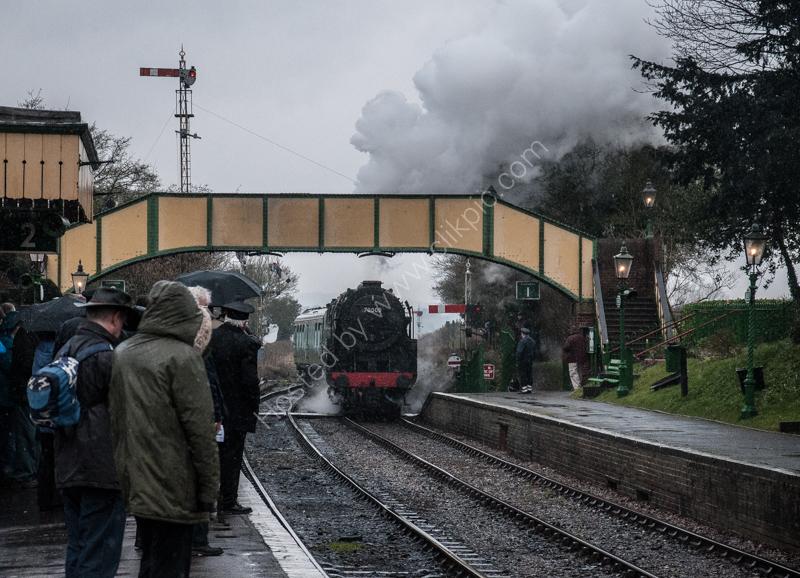 "70000 ""Britannia"" arrives at Ropley, Mid-Hants Railway, 13 February 2015"