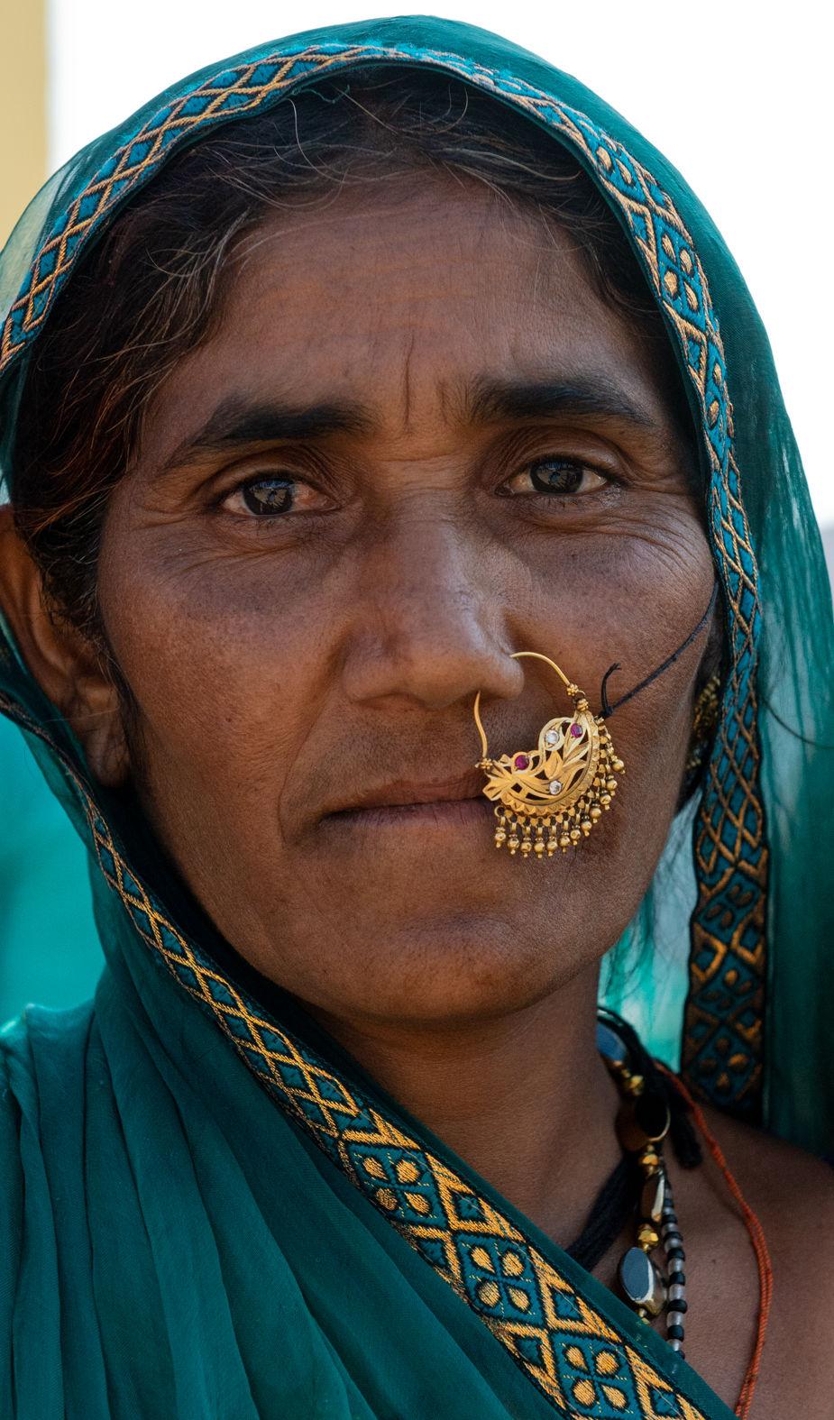 Lady wearing gold jewellery, Shahpura, Rajasthan