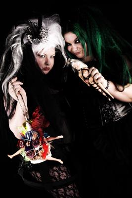 Roze Thorn & Nickie Hobbs