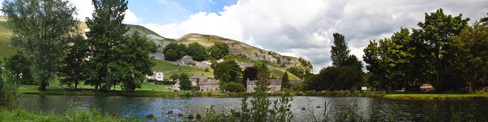 Kilnsey Park & Crag (panorama)