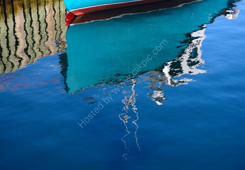 IN HARBOUR by Peter Dishart