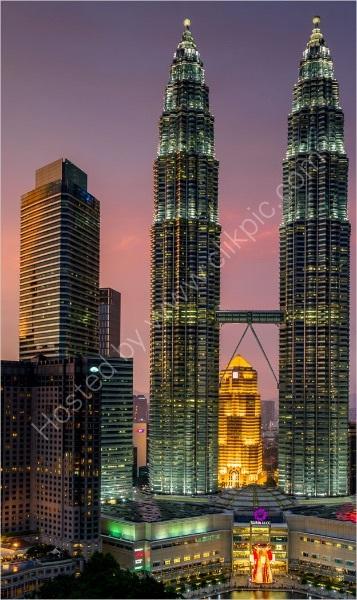 KUALA LUMPUR TWIN TOWERS by Brenda Howard