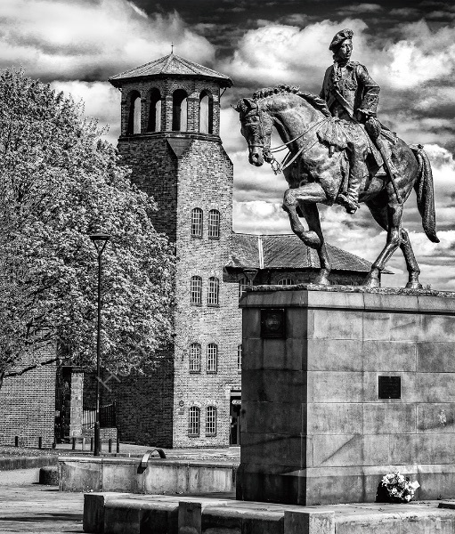 SILK MILL AND STATUE OF BONNIE PRINCE CHARLIE by Ashley Franklin