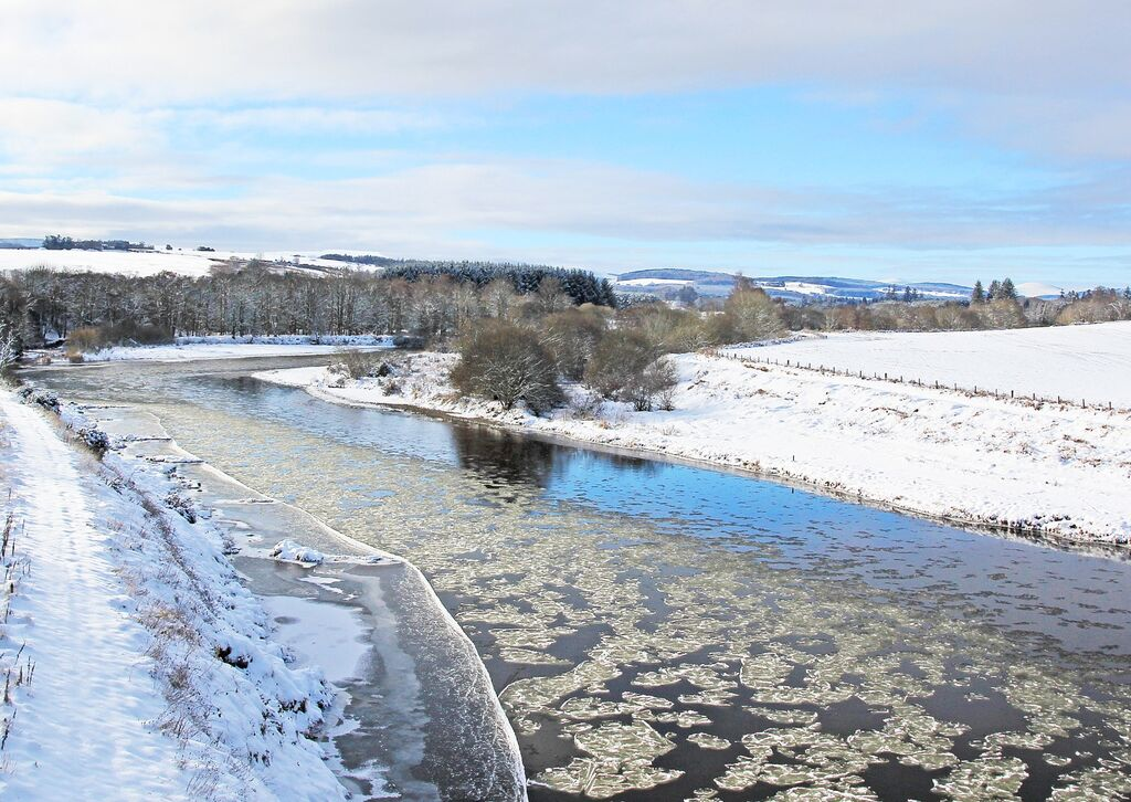 Ice Flows on the Dee