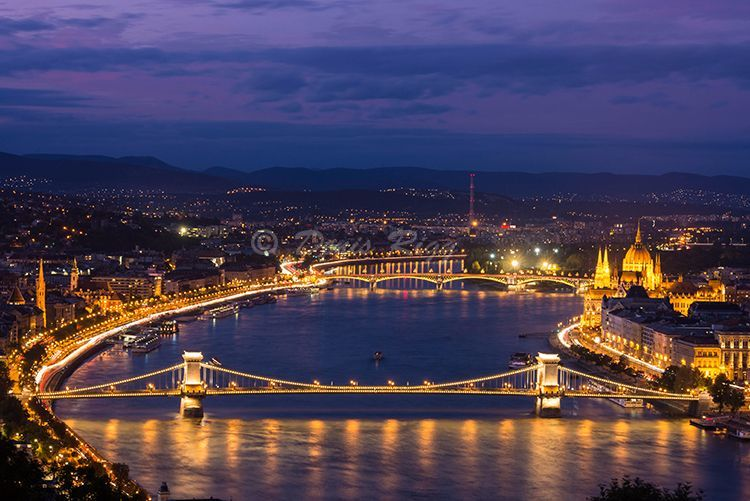 223-Budapest at night