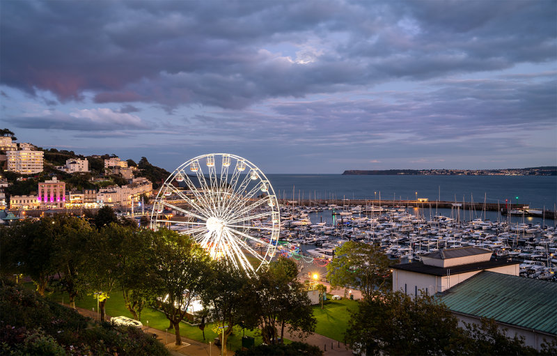 Torquay Harbour and Wheel at Twilight TW51