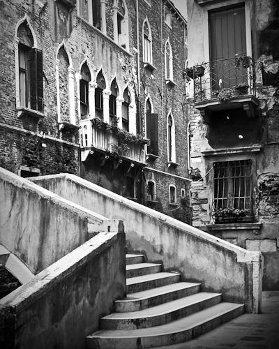 Stairs, Calle de le Oche, San Croce, Venice, Italy 2011