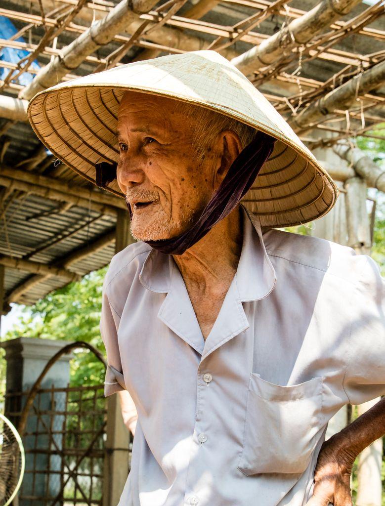 Vietnamese-Boat-Maker