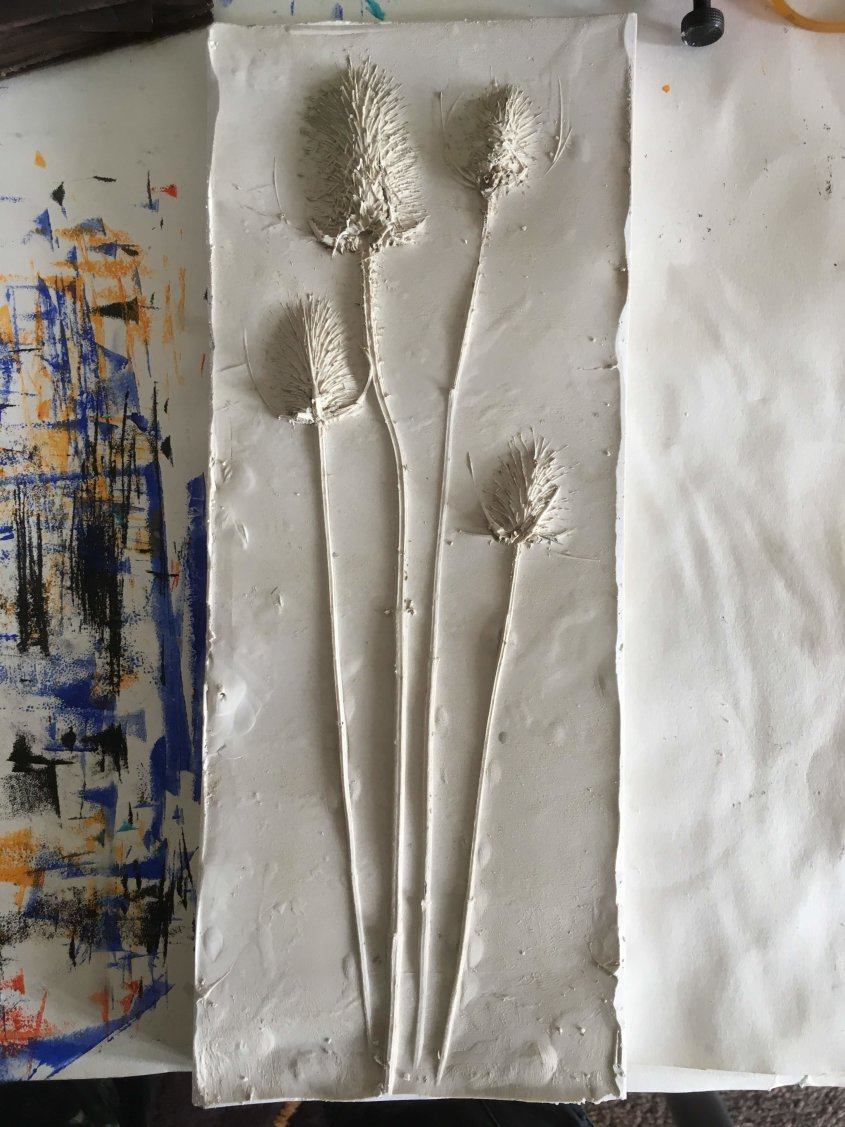 Teasel, marble composite, approx 35cm