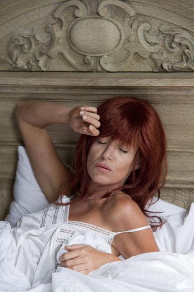 Barbara Sarafian als Axelle Red.