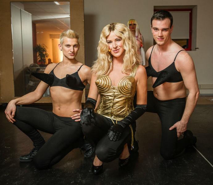 Tine Embrechts als Madonna.