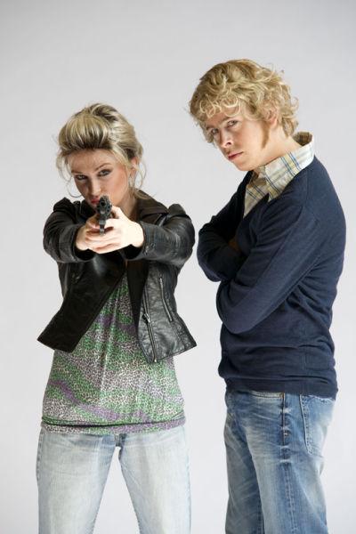Clara Cleymans als Hannah Maes en Jonas Van Geel als Kevin.