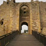 dirleton castle entrance