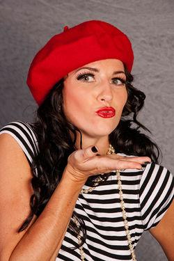 FRENCH KISS MS BETSY LA BON
