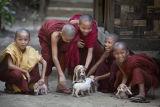 Monks IMG 9753 E