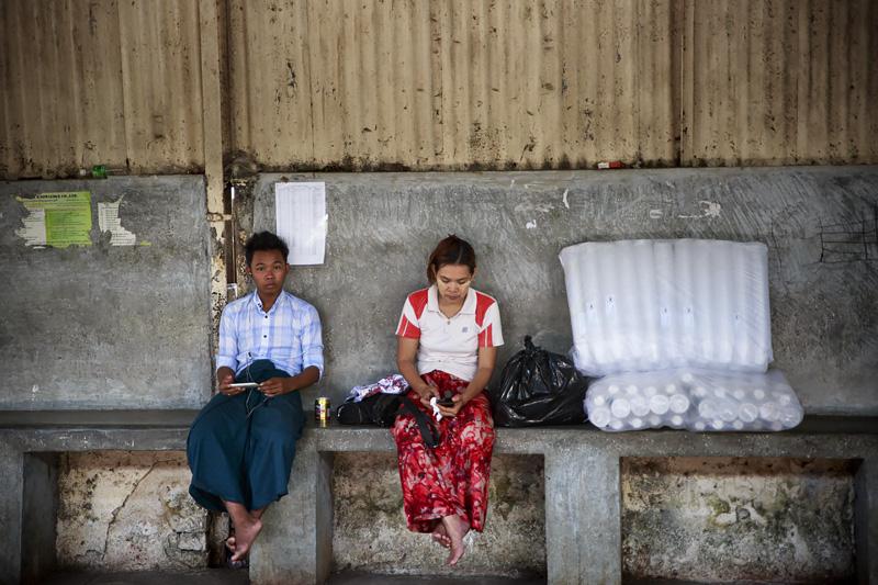 Train Yangon 254A1003 E