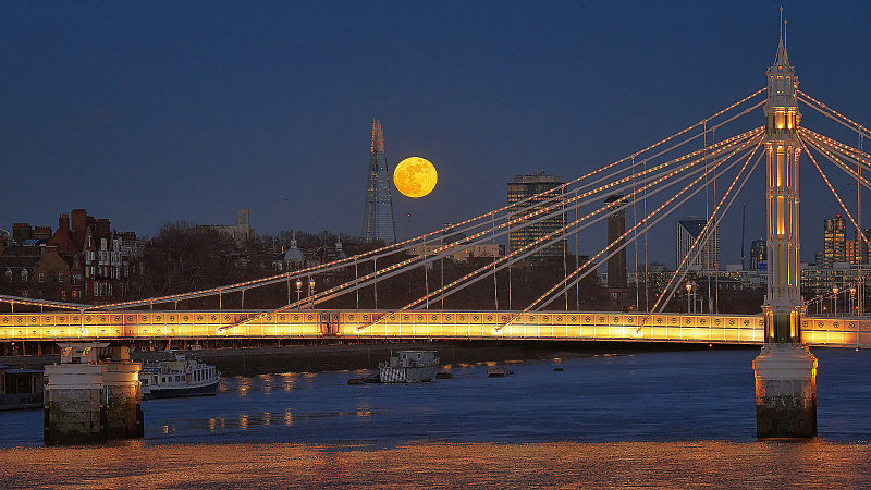 Albert bridge with Shard and full moon