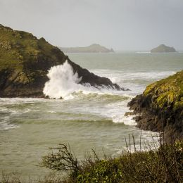 Many rocks, big waves