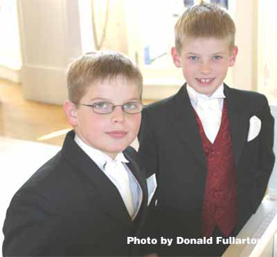 Young wedding guests and pianists too