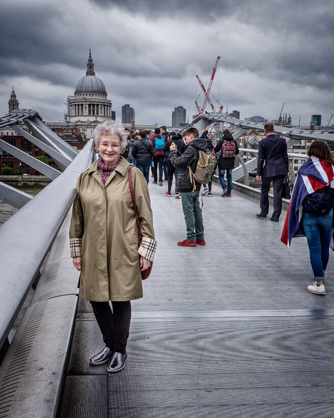 03. Eugenie on Millenium Bridge