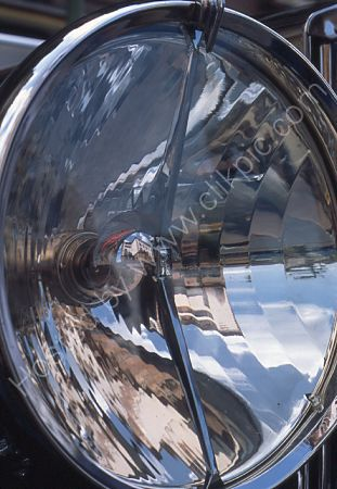 A Rolls-Royce reflection