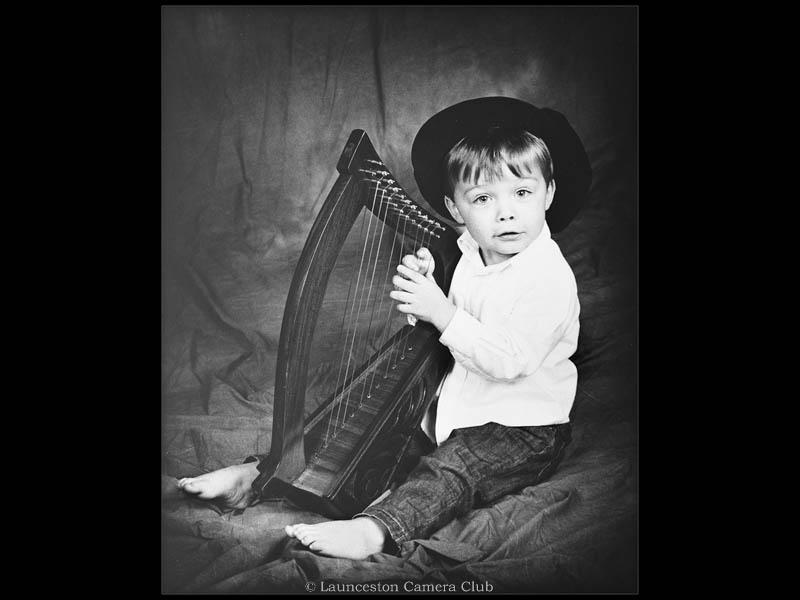 053-Johna with Harp-John Davey-Launceston CC wb