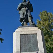 12 memorial for many Rob de Glanville