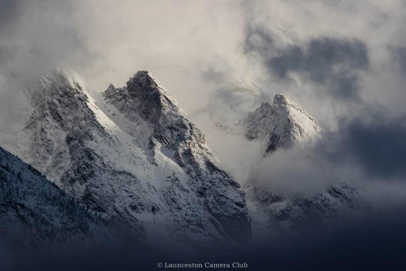 26 Teton Peaks in the Cloud Pedro Landers