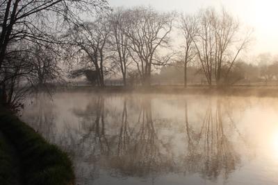 Mist on the Thames.....