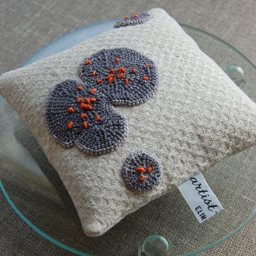 Linen mold pincushion