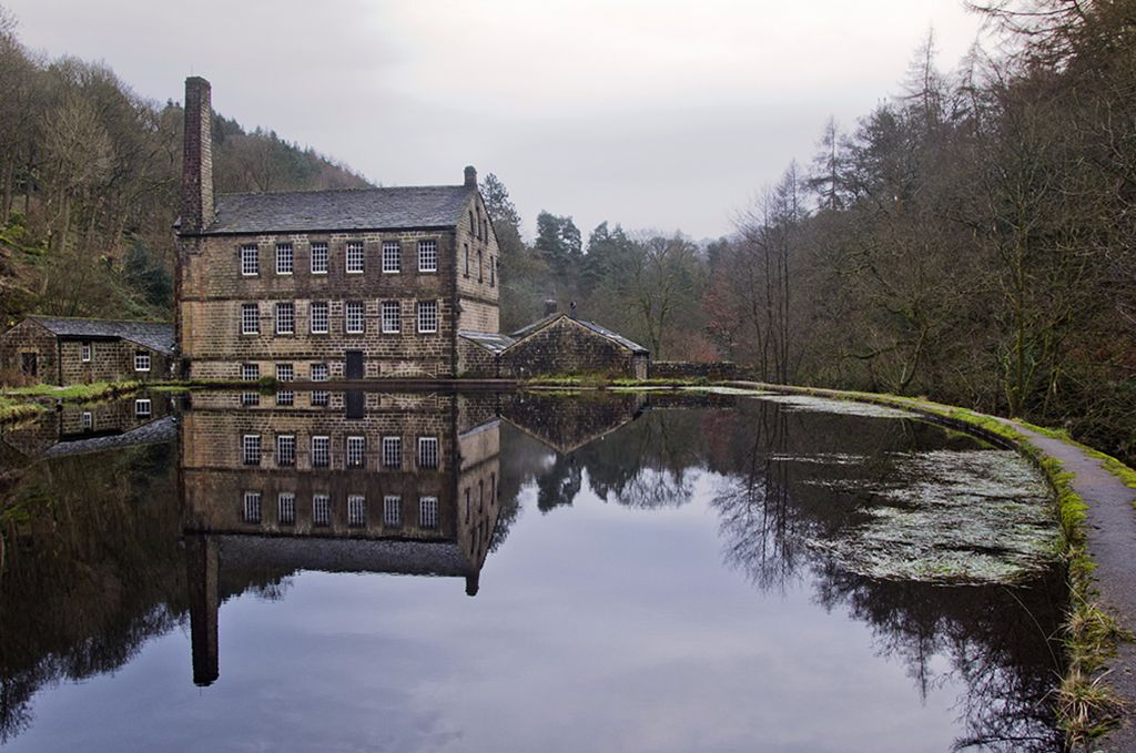 Gibson's Mill, Hardcastle Craggs