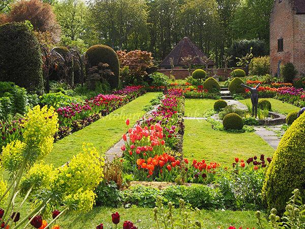 Chenies Sunken Garden