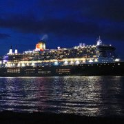 Queen Mary 2 leaving Southampton