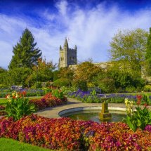 Old Amersham Buckinghamshire . Memorial Gardens and St Mary's  Parish Church