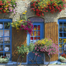Colourful Boutique,France.