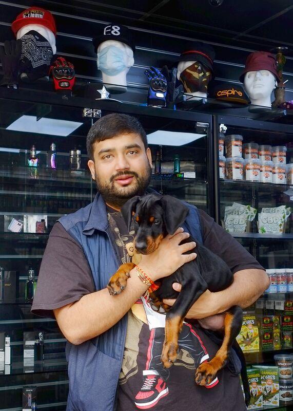 Bhavik, Vape & Mobile
