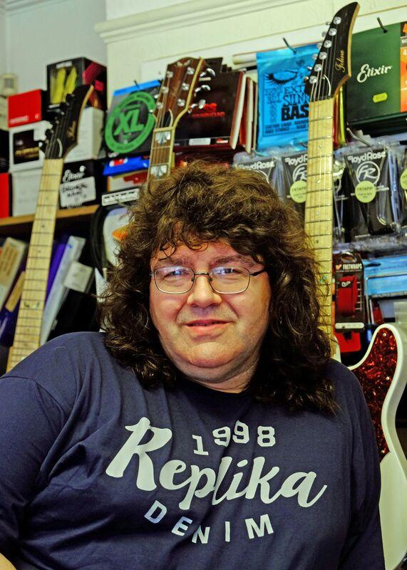 John, Feline Guitars