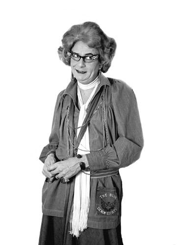 Dame Edna Everedge