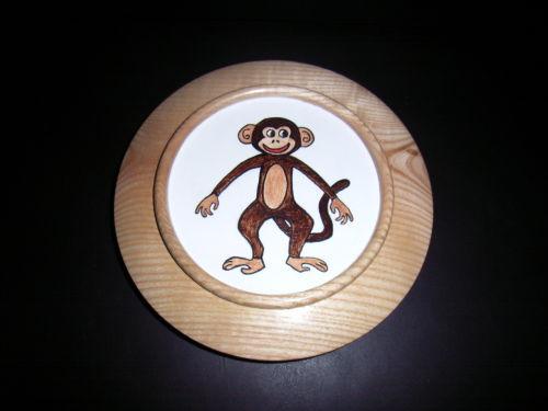 Monkey : Ash : 7 inch diameter : Ref: 421