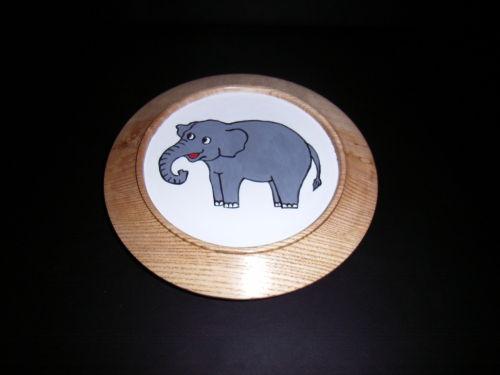 Elephant : Ash : 8 inch diameter : Ref: 425