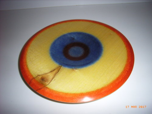 Clioured platter : Sycamore : 10 1/2 inches diameter : Ref 117