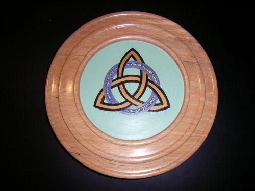 Cetic Eternity Knot : Spalted Beech : 10 inch diameter : Ref 395