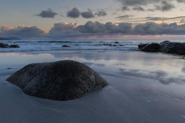Stein i sanden
