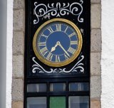 Roundhouse clock
