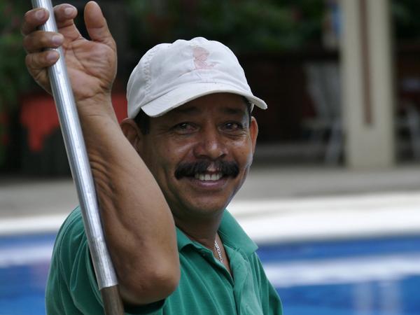 The Happy Pool Cleaner Derek Walker Commended