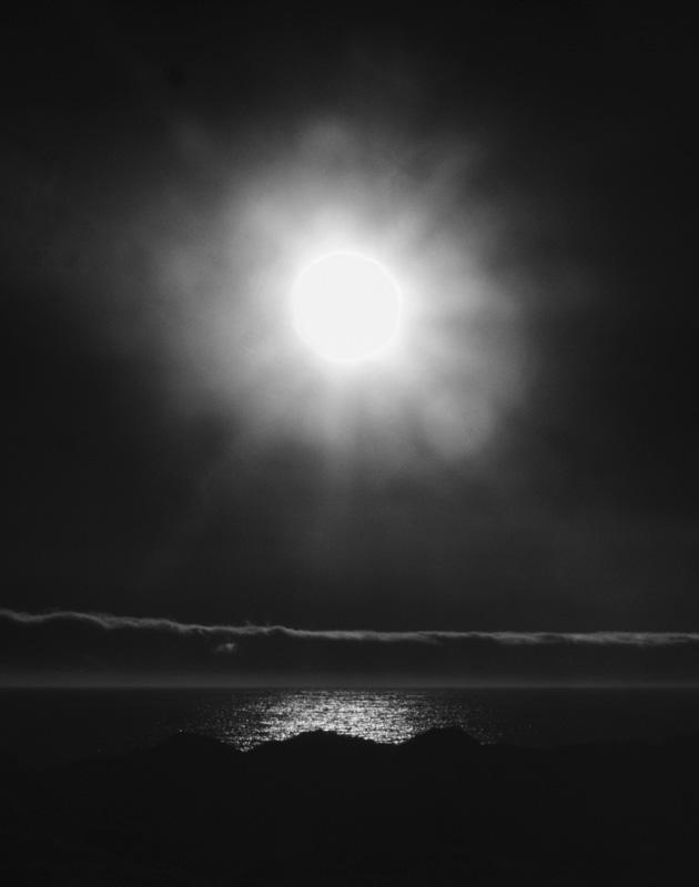 Strangely Unphotogenic Light