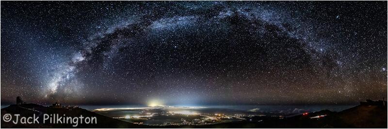 Milky Way over Hawaii Observatory-©Jack Pilkington