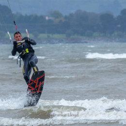 Kitesurfer-2